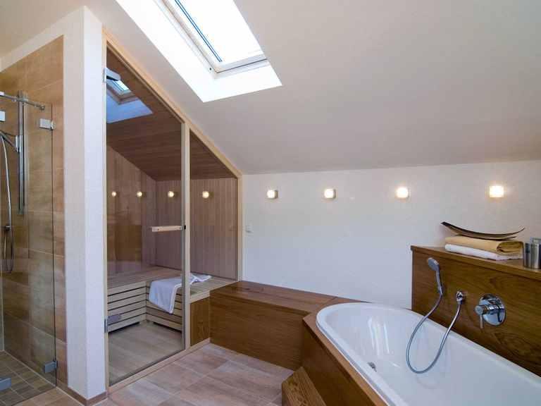 Badezimmer - Musterhaus Design 168 von Frammelsberger Holzhaus