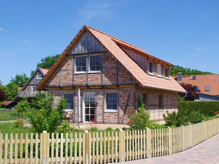 Kleines Fachwerkhaus 98 - Zimmerei Fuhrberger