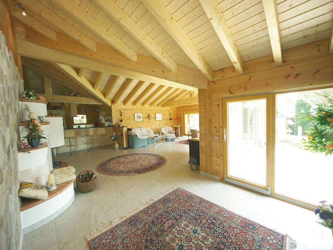 Wohnbereich Holzhaus Elsass von Fullwood Wohnblockhaus