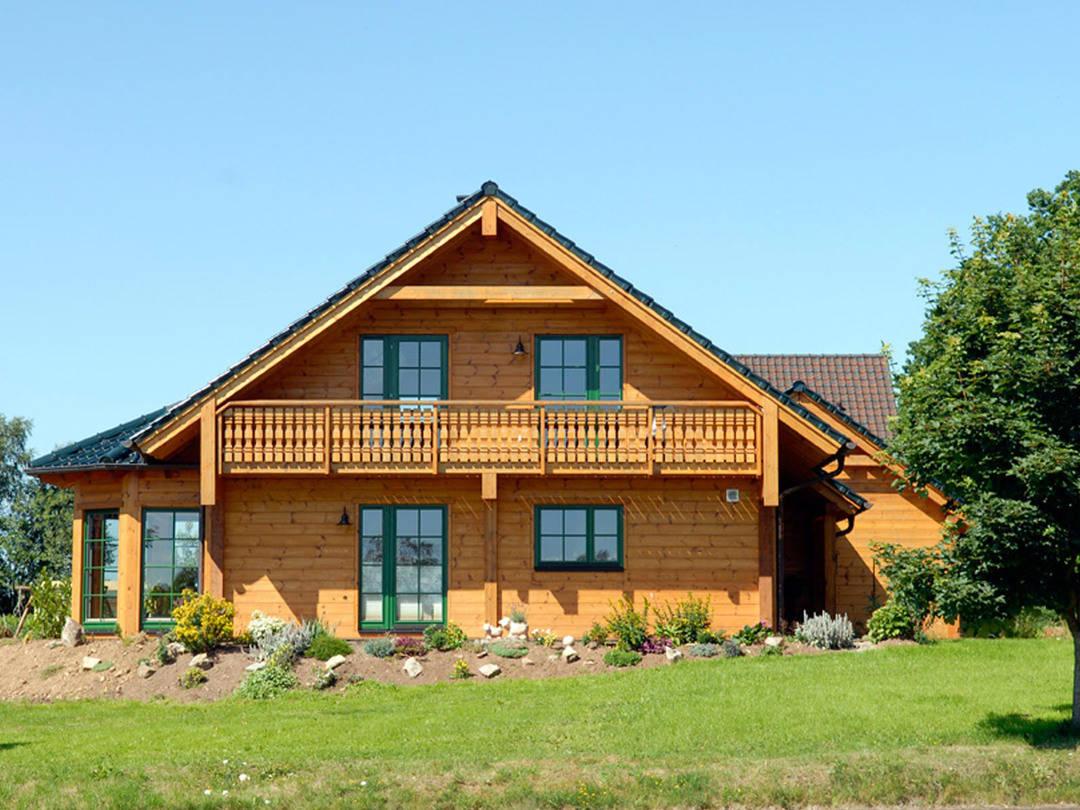 Holzhaus Almof von Fullwood Wohnblockhaus