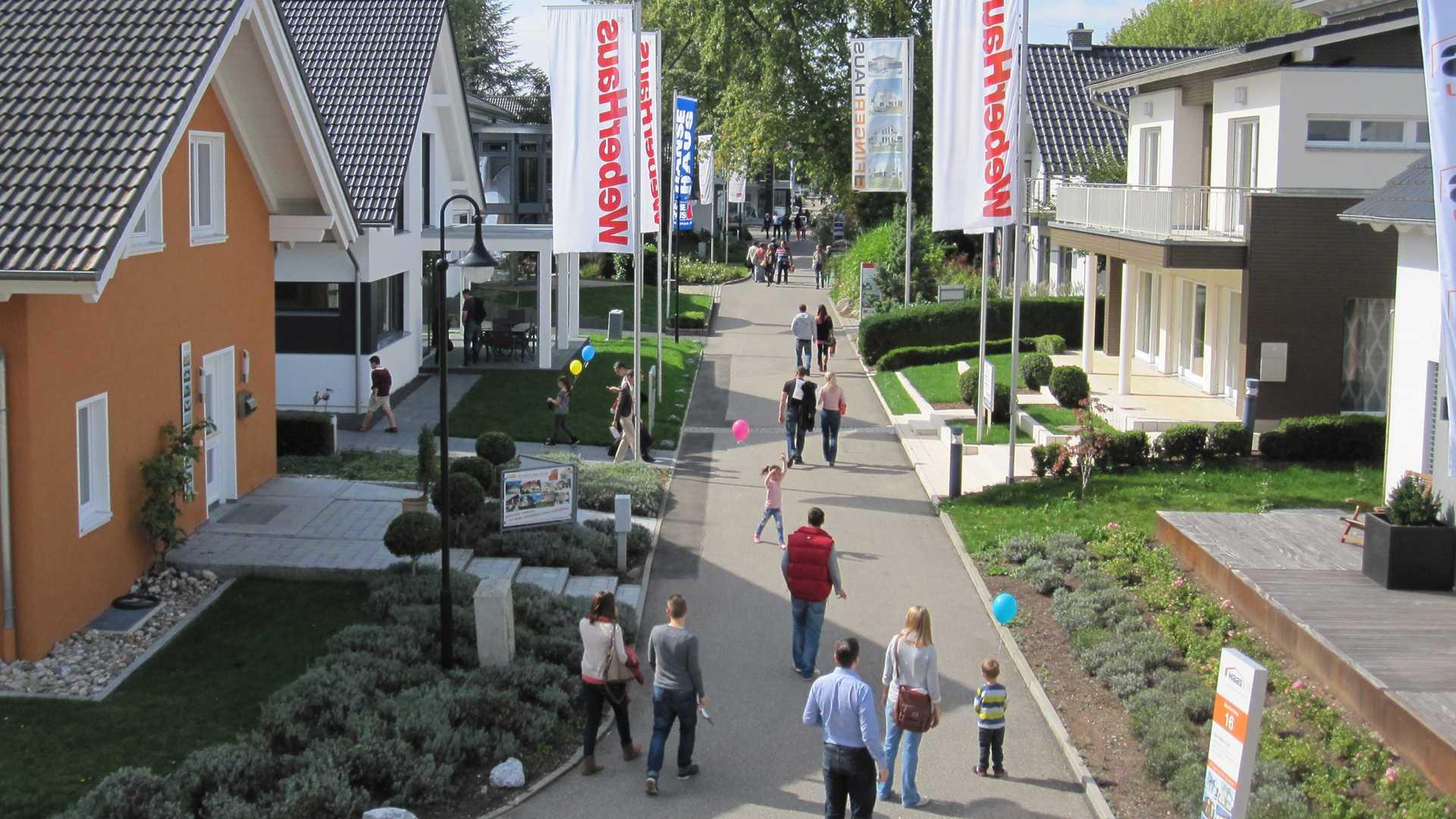 ^ Musterhausausstellung Musterhauspark Fellbach bei Stuttgart