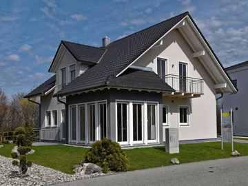 BAVARIA Wohn- und Zweckbau Musterhaus Tulpe, Bauzentrum Poing