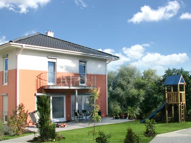 Musterhaus Stadtvilla mit Zeltdach